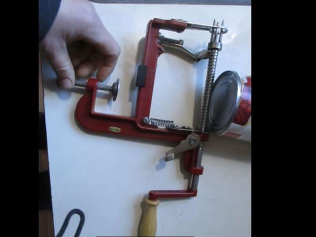 apple peeler tool