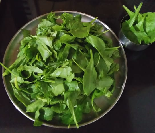 Step one: Wash the spinach. Finely chop 8 leaves.