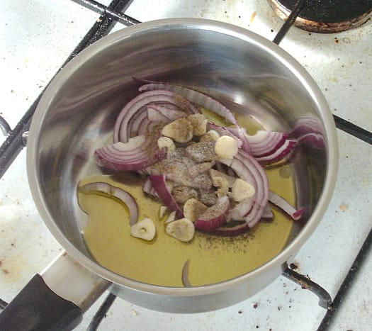 Sauteing onion and garlic for tomato sauce