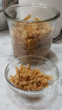 Finely mince the dongcai to be used for addition to the minced pork