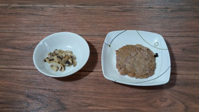 Burger patty and mushrooms