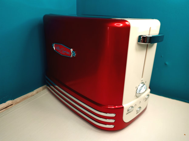 Retro toaster. Note the racing stripes and plastic decal.