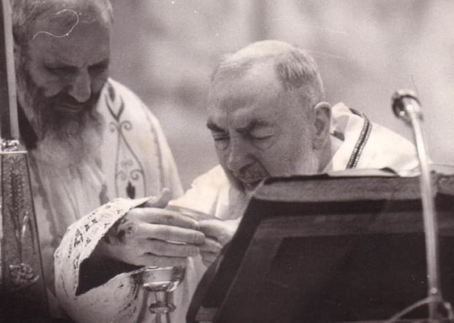 padre-pio-and-the-guardian-angels