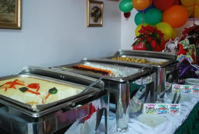 Buffets work best for large groups.