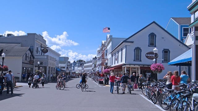 Mackinac Island resorts, hotels, attractions, and dining places.