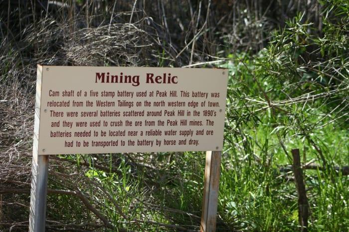 有趣的是,这个矿区的历史开始于手工挖掘,结束于科技时代。