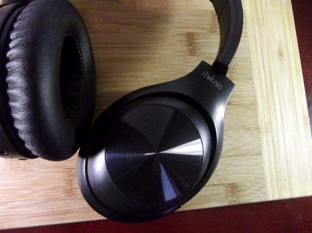 iTeknic active noise canceling headphones