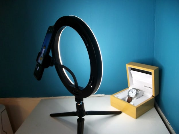 BlitzWolf ring light in use
