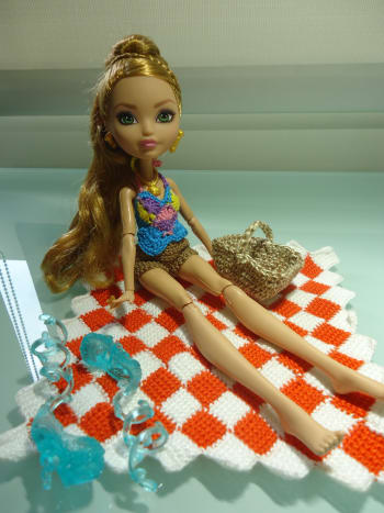 ever-after-high-dolls-going-on-a-picnic-free-crochet-pattern