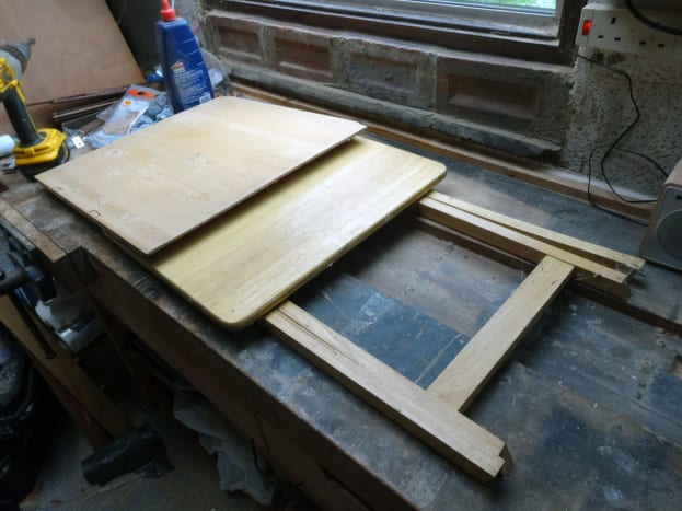 Folding table to be upcycled, and 9mm plywood salvaged from another DIY project.