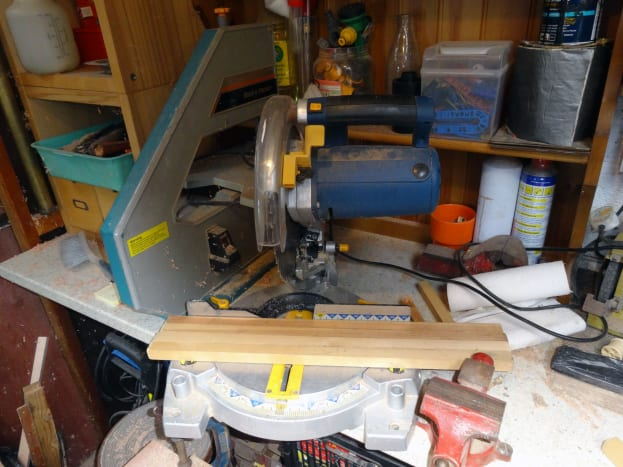 Cutting the battens to size