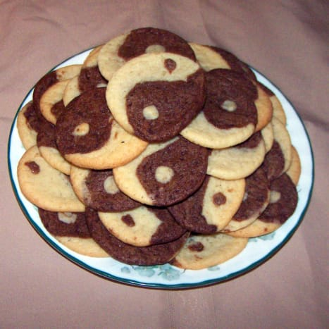 Cookies are big-- about 3 1/2- 4 inches diameter!