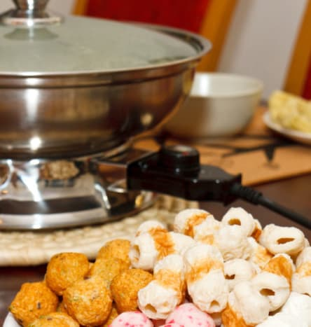 Hotpot, or steamboat, is a popular Northern China dish because of the cold weather there. While Singapore's climate is far from chilly, many families still have steamboat for their Reunion Dinners as it symbolizes unity.