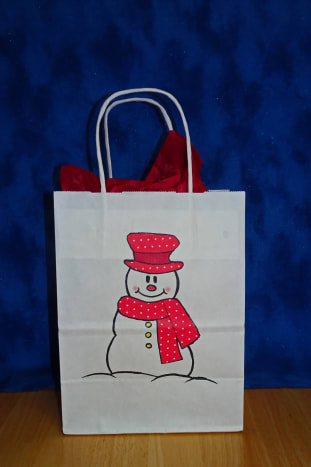 Snowman gift bag with polk-dot patterned paper