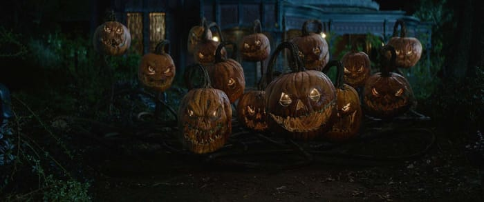 A Halloween classic is always in need of a bunch of awesome looking Jack-o'-Lanterns!