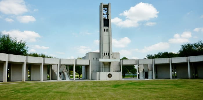 Inside partial view of Hemicycle monument at Houston National Cemetery from bottom level