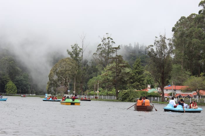 Kodai lake covered with mist