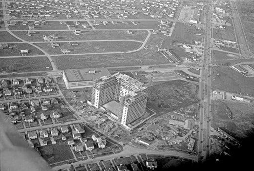 [Construction of Shamrock Hotel in Downtown Houston, Glenn McCarthy], December, 1947