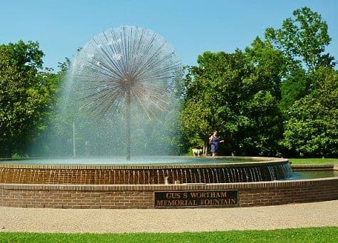 gus-and-lyndall-wortham-park-and-wortham-fountain-comparing-both-houston-sites