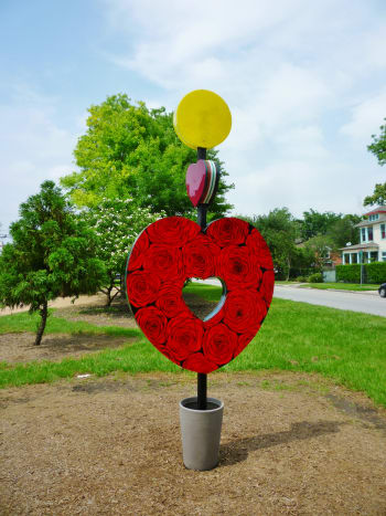 """Full size of the """"Heart of the Heights"""" sculpture by Eisenhut/Ramos in True South sculpture exhibit Houston"""