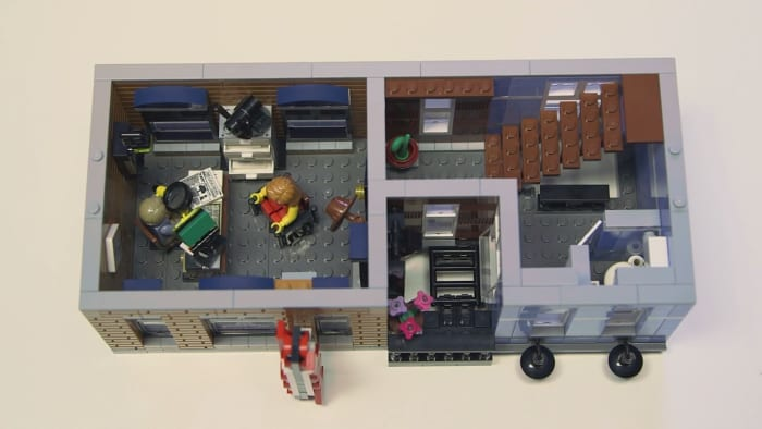 LEGO Creator Detective's Office Modular Building | The second floor. The detective office and bathroom.