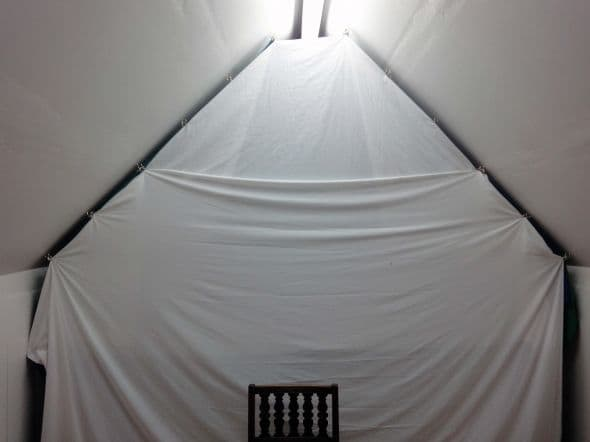 Fitting backdrop curtains in a loft