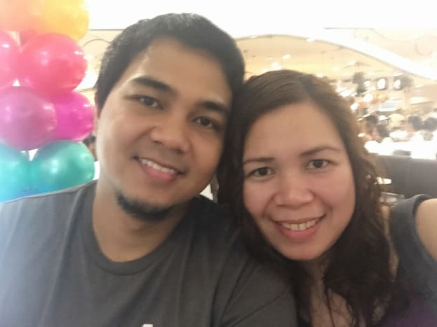 This was us having a couple selfie while waiting in line at Dad's World Buffet... :)