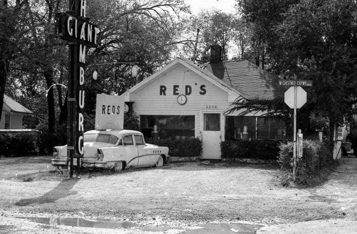 Red's Giant Hamburg, America's first drive-through hamburger place.