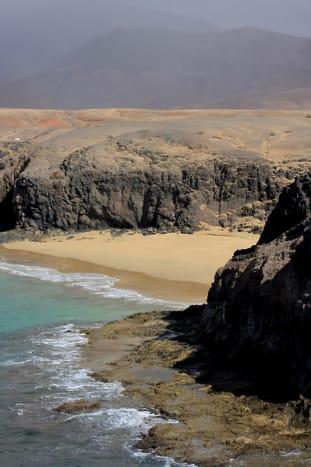 Playa de la Cera and the landscape behind