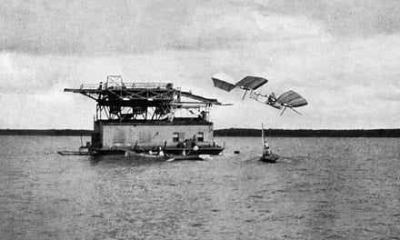 Langley's first failure in manned flight, October 7, 1903.