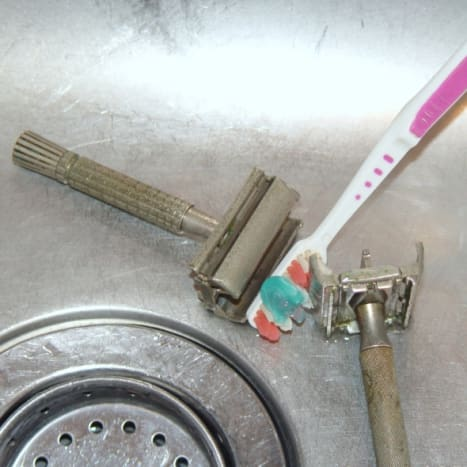 how-to-clean-vintage-safety-razors