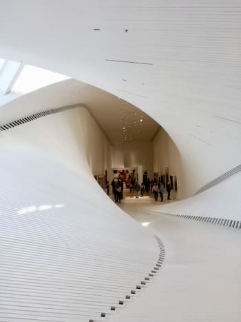 The gallery seen from the north to the south. The building turns 90 degrees and makes a twist where ceilings become walls and walls become ceilings.