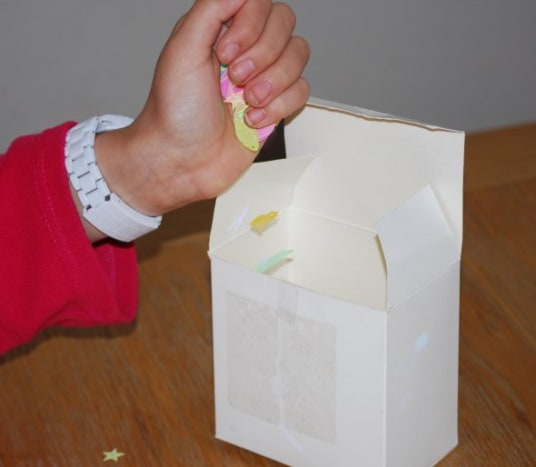 Fill box with confetti