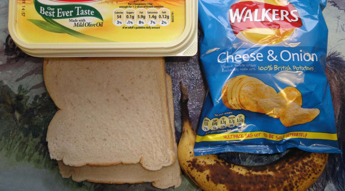 Ingredients for crisp and banana sandwich