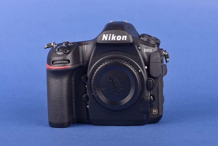Professional-grade full-frame digital single-lens reflex camera (DSLR) Nikon D850