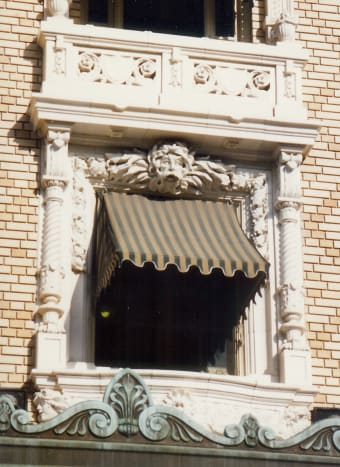 Exterior window on the Fordyce Bathhouse