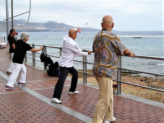 Exercise overlooking the beach, Playa de las Canteras.