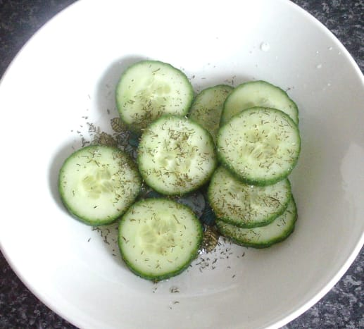 Quick pickling cucumber and dill