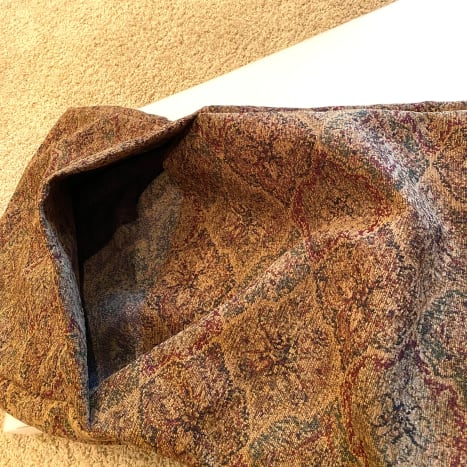 The opening of the two-piece bottom section.