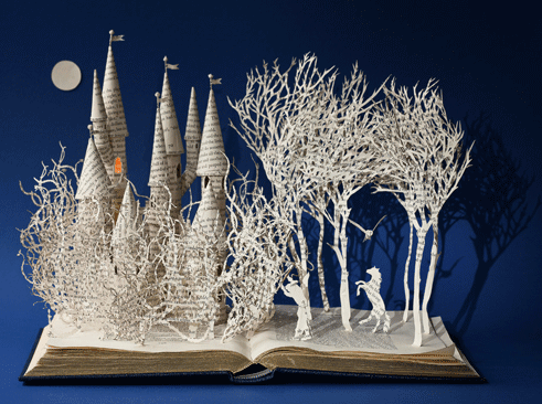 Fairytale papercutting in 3D by Su Blackwell