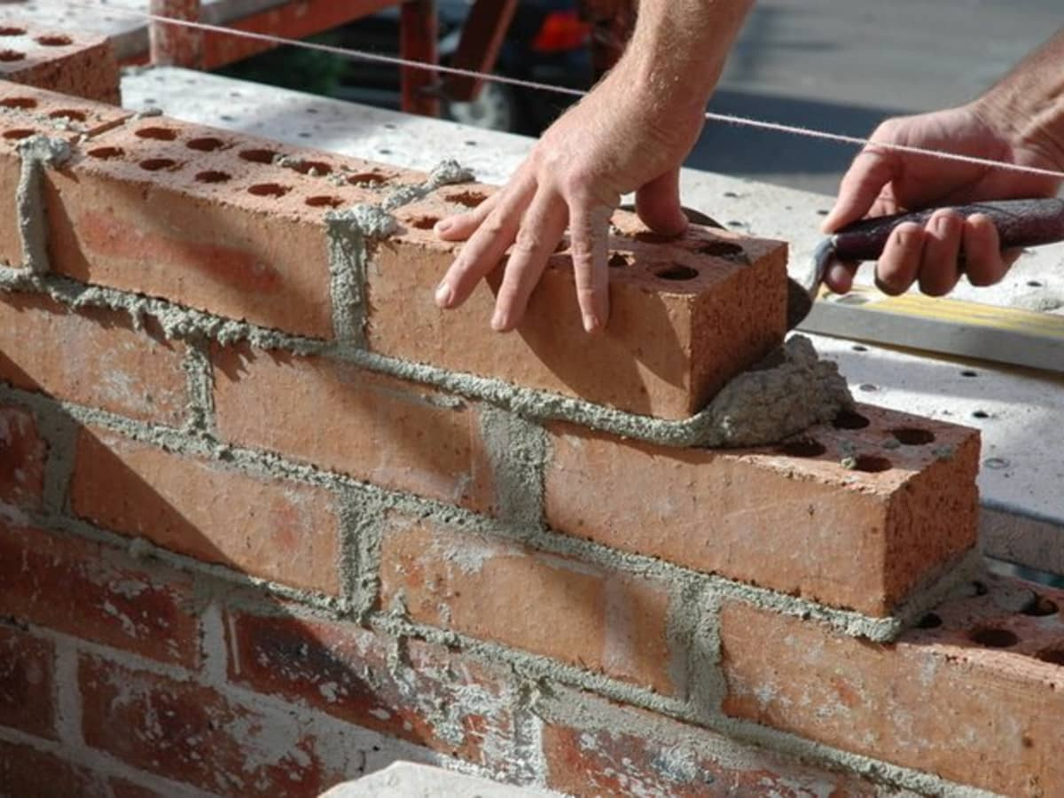 Basic Bricklaying And Cement Mixing