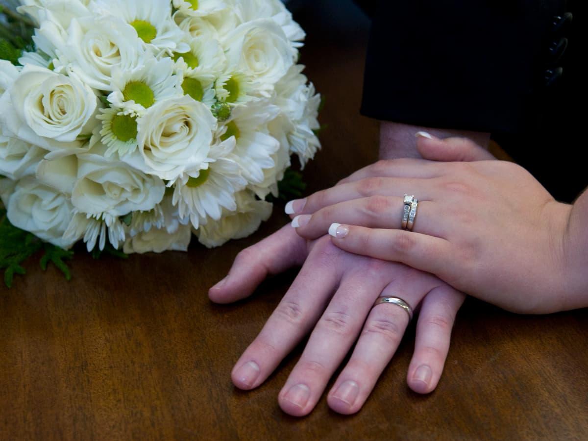 Harmless Pranks to Pull on Honeymooners - HubPages