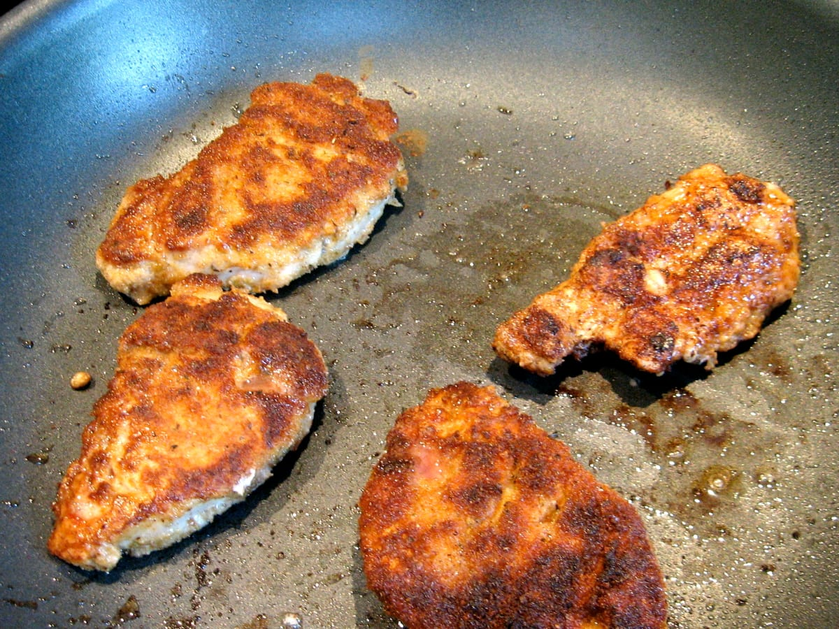 How To Cook Pan Fried Pork Tenderloin Medallions Delishably Food And Drink