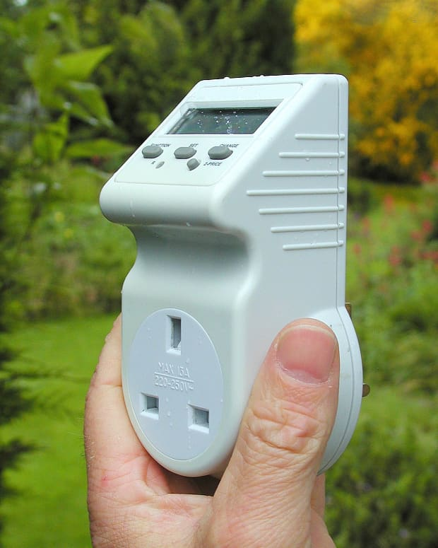 tracking-the-power-consumption-of-your-appliances-with-an-energy-monitoring-adapter