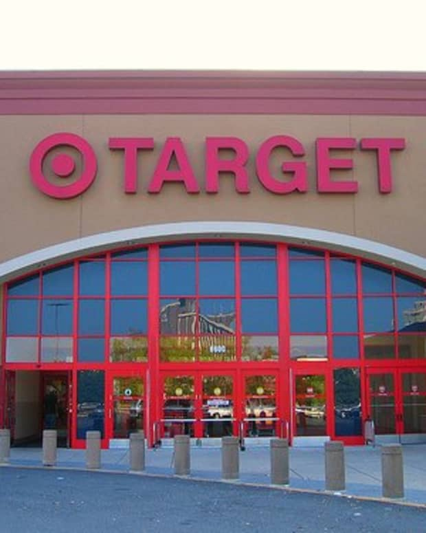 everything-you-want-to-know-about-being-a-target-employee