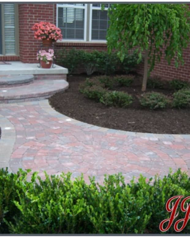 brick-pavers-landscaping-michigan