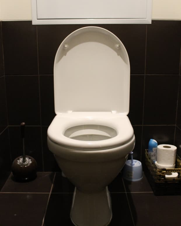installing-a-new-toilet-one-womans-adventures-in-plumbing