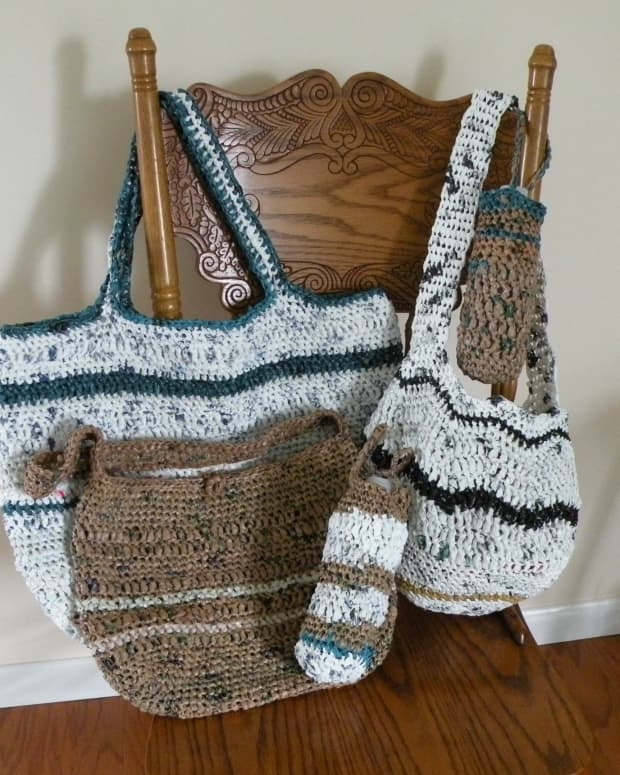 make-something-for-nothing-crocheted-beach-bags-from-plastic-bags