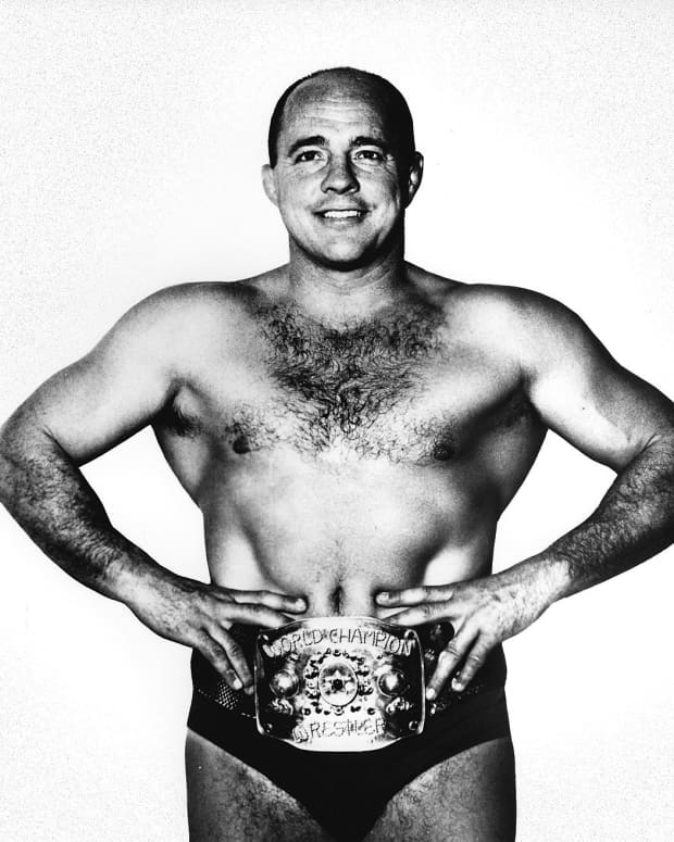 favorite-pro-wresting-stars-of-the-1950s-exciting-wrestlers-who-were-champs