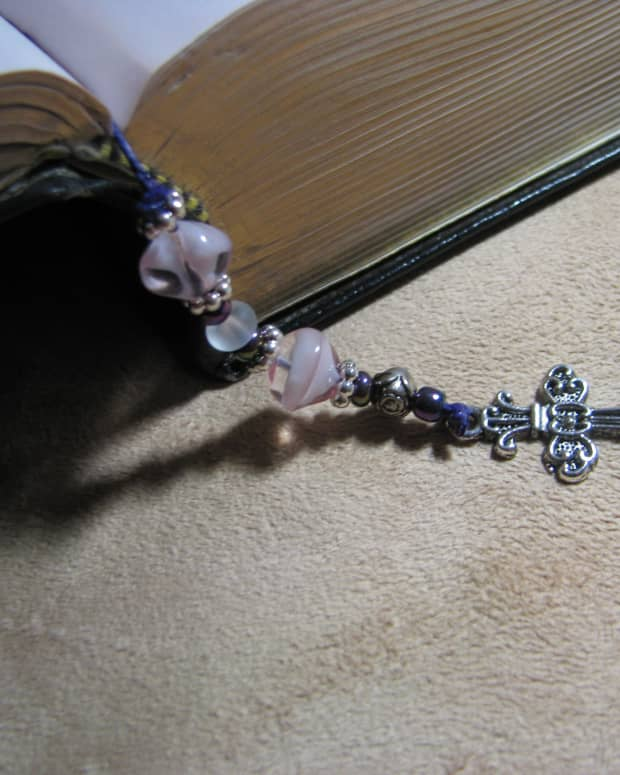 how-to-make-a-beaded-bible-bookmark